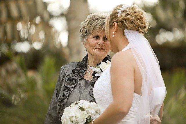 nevěsta s matkou