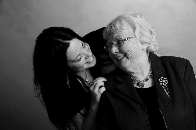 babička s dcerou