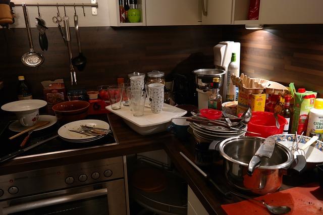 kuchyně, nádobí, nepořádek