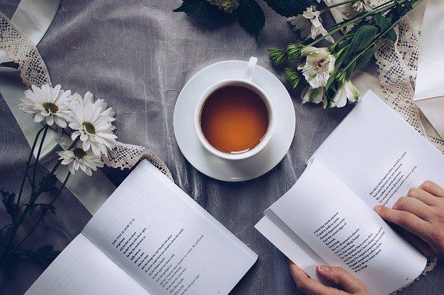 čaj ke čtení.jpg