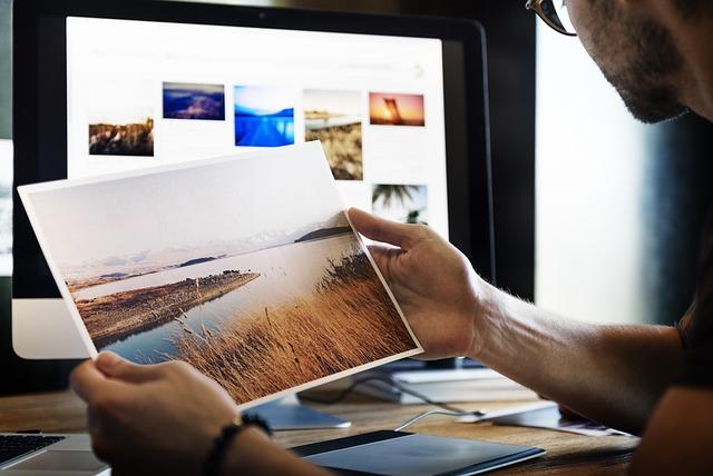 fotograf vytištěná fotka.jpg