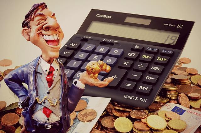 muž ženoucí se za penězi.jpg